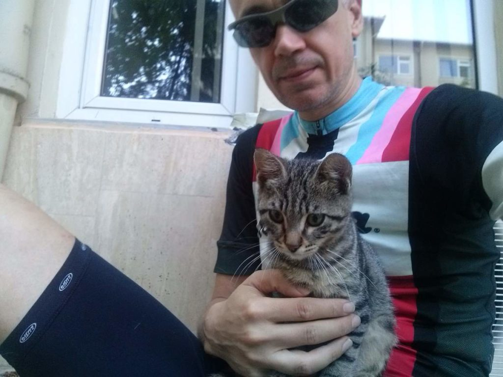 2015-07-19-03 Bosphorus University, tabby kitten and me