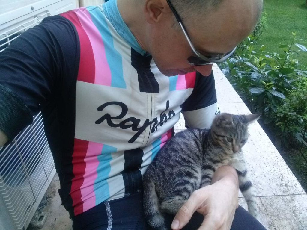 2015-07-19-04 Bosphorus University, tabby kitten and me